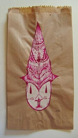 """""""SERIE DEL PANFLETO AL PAQUETE"""". Acrílico sobre cambucho café. 16 x 30 cm. 2011"""